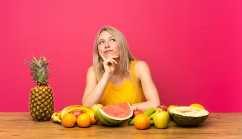 Refluxo gastroesofágico: quais alimentos evitar e quais comer